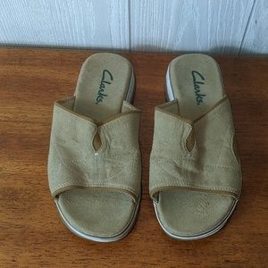 EUC leather Clark's sandals sz 6